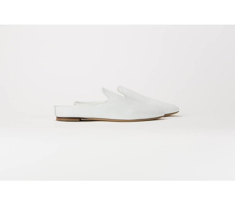 Common Projects Leather Loafer