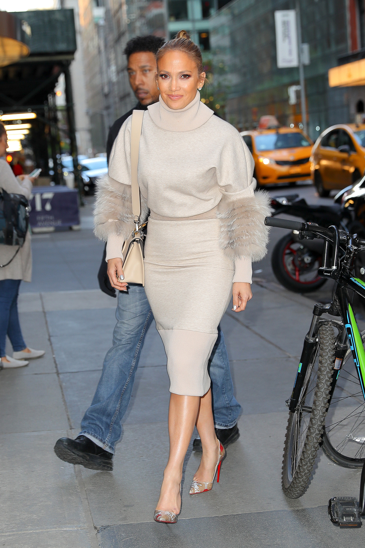 Jennifer Lopez in Sally LaPointe PF18