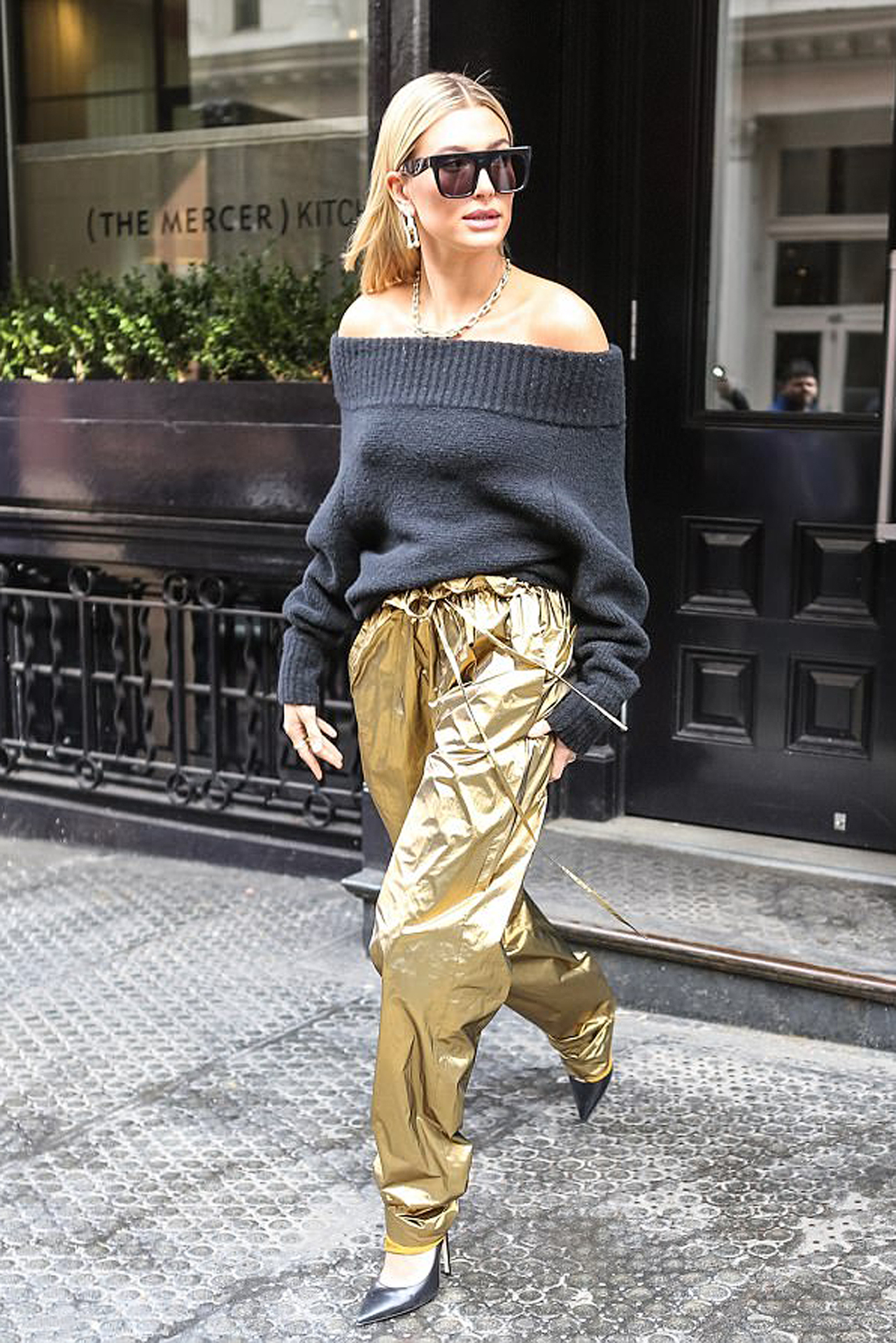 Hailey Baldwin in Sally LaPointe PF18