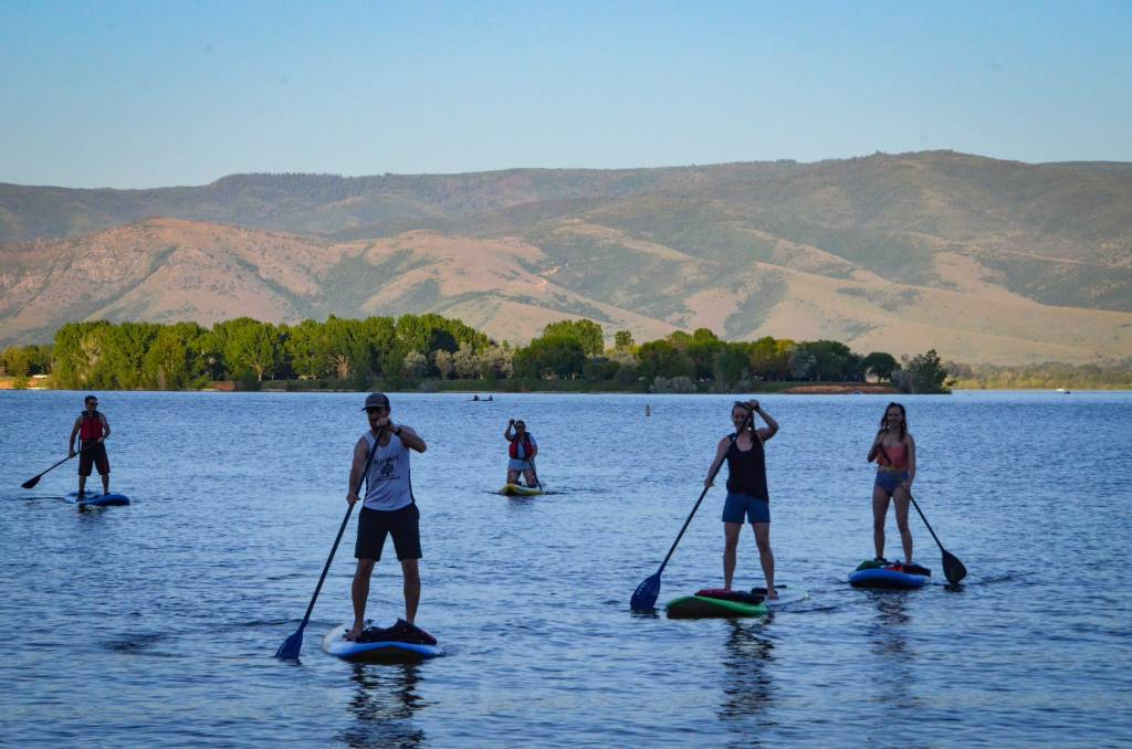 STANDUP PADDLE BOARD MEET-UPS