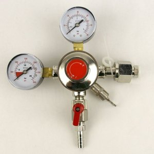 Beer and Wine Dual Gauge CO2 Regulator with One Shutoff