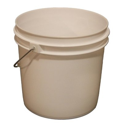 Beer and Wine 2 Gallon Fermenting Bucket