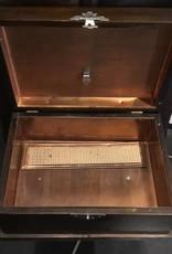 Discreet July 2018 Smoking Cabinet