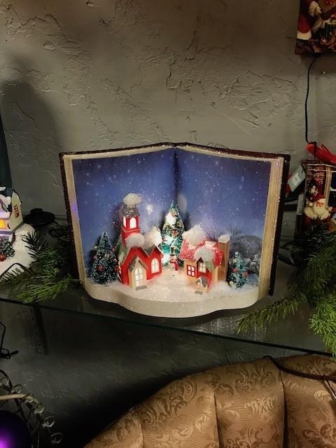 CHRISTMAS LIT WINTER SCENE BOOK