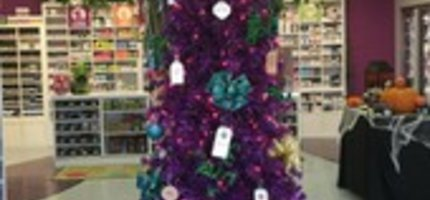 Giving Tree to Benefit the Michigan Greyhound Connection