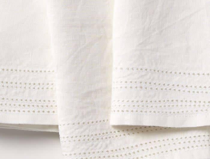 Coyuchi Linen Eyelet Napkins, Set of 4 - Alpine White