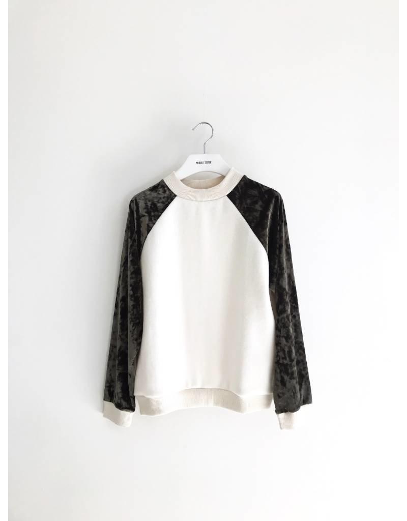 Bonsui Velvet Easy Sweater