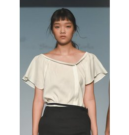 Studio Di Perla Asymmetrical Vneck Top