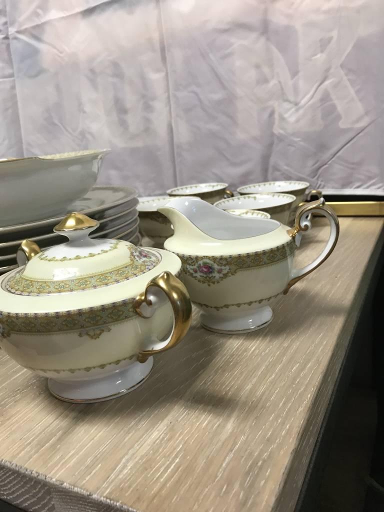 ... Meitco Limoge Fine China Annette Dinnerware Dishes Serving Ware 34 Piece ... & Meitco Limoge Fine China Annette Dinnerware Dishes Serving Ware 34 ...
