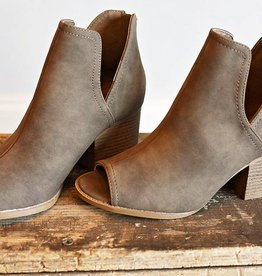 Elle Core Bootie Taupe