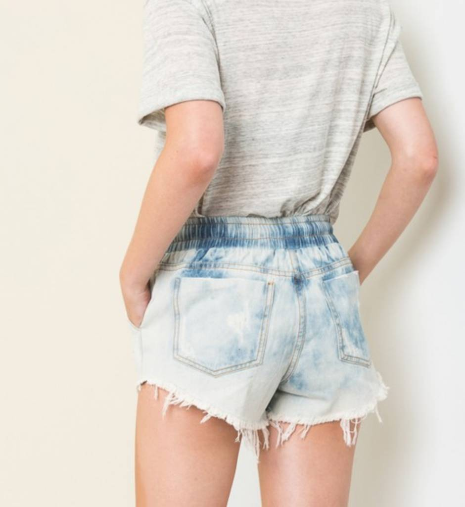 Young Hearts Run Free Shorts - Bleached Denim