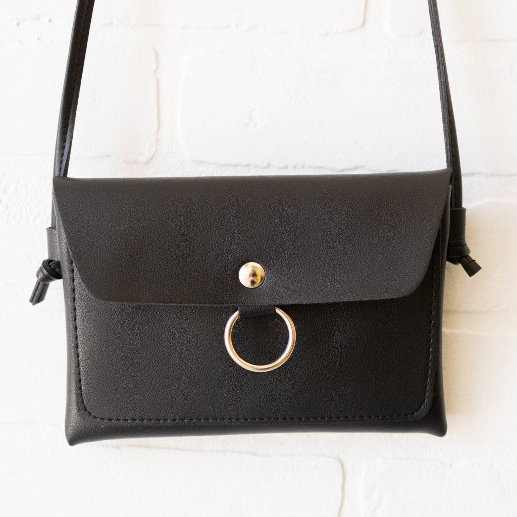 Silver Ring Black Leather Purse
