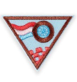 GIRL SCOUTS OF THE USA Brownie Race Car Design Badge