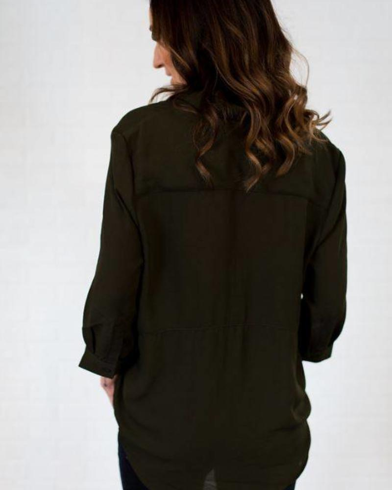 Black Tape/Dex 3/4 Sleeve Open Collar Pullover Blouse