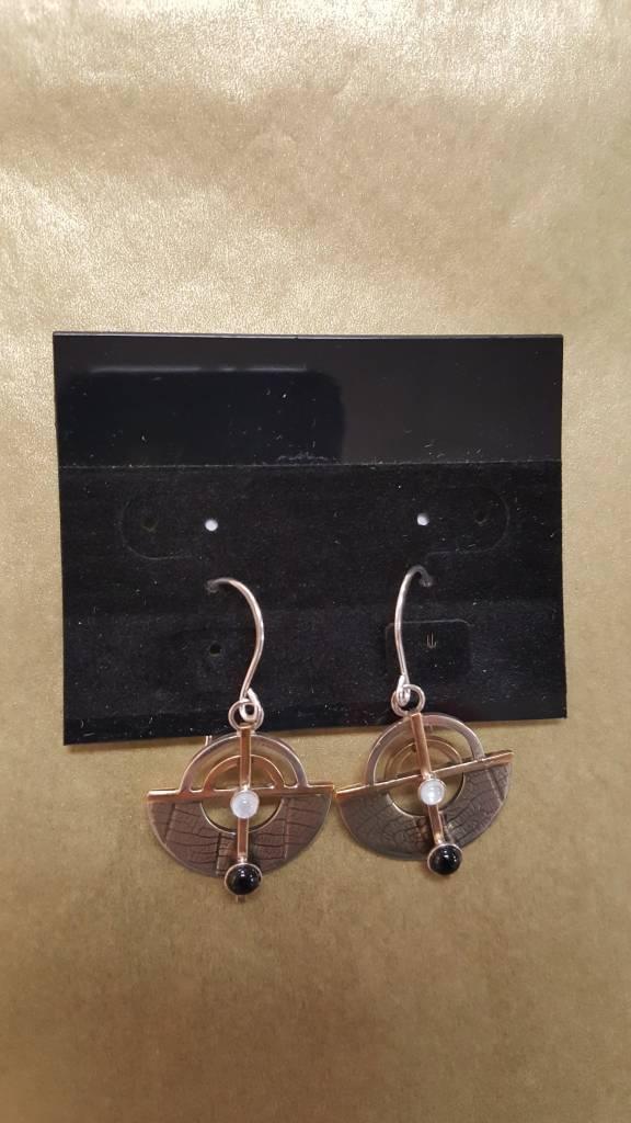 101 Mixed Metal Earrings W/Onyx