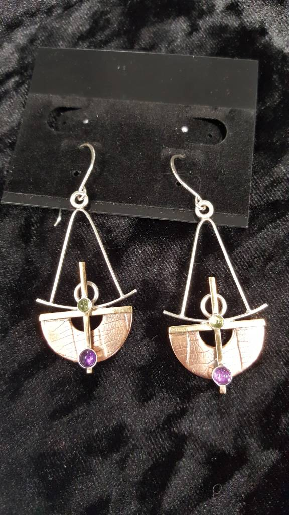 109 Mixed Metal Earrings W. Peridot and Amethyst