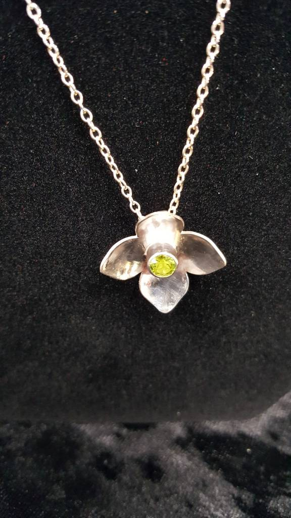 Peridot Bloom Necklace SS