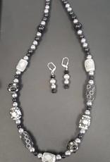 Black & Grey Necklace w/Earrings