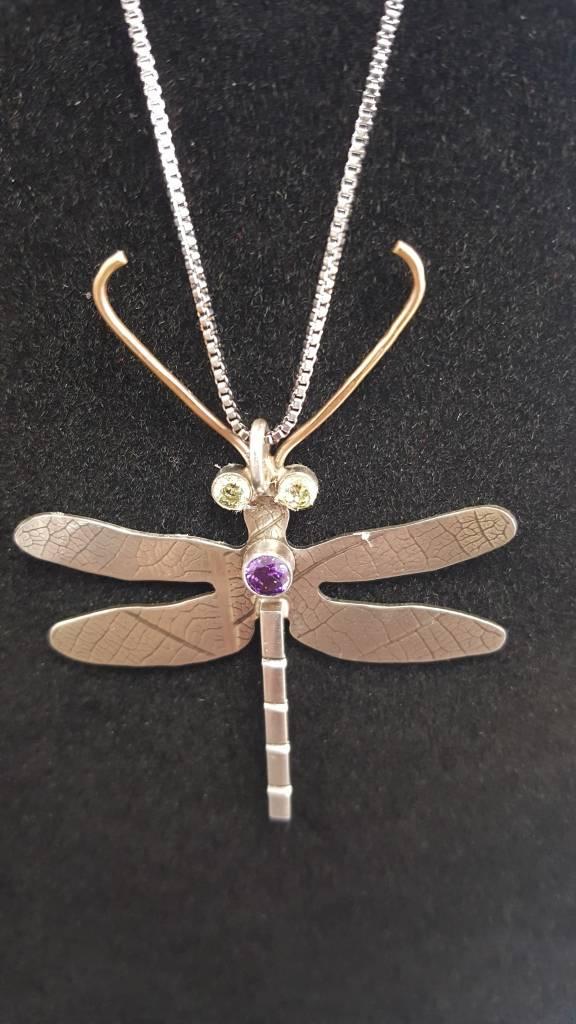 137 Dragonfly Pendant w/peridot & amethyst
