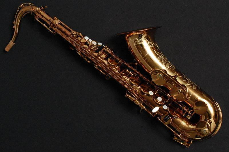 TM Custom 500sl Tenor  Saxophone in Cognac