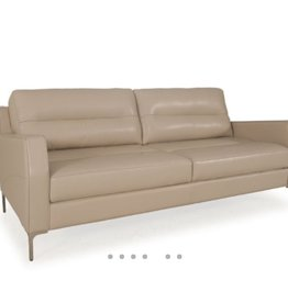 Moroni Isabel Loveseat
