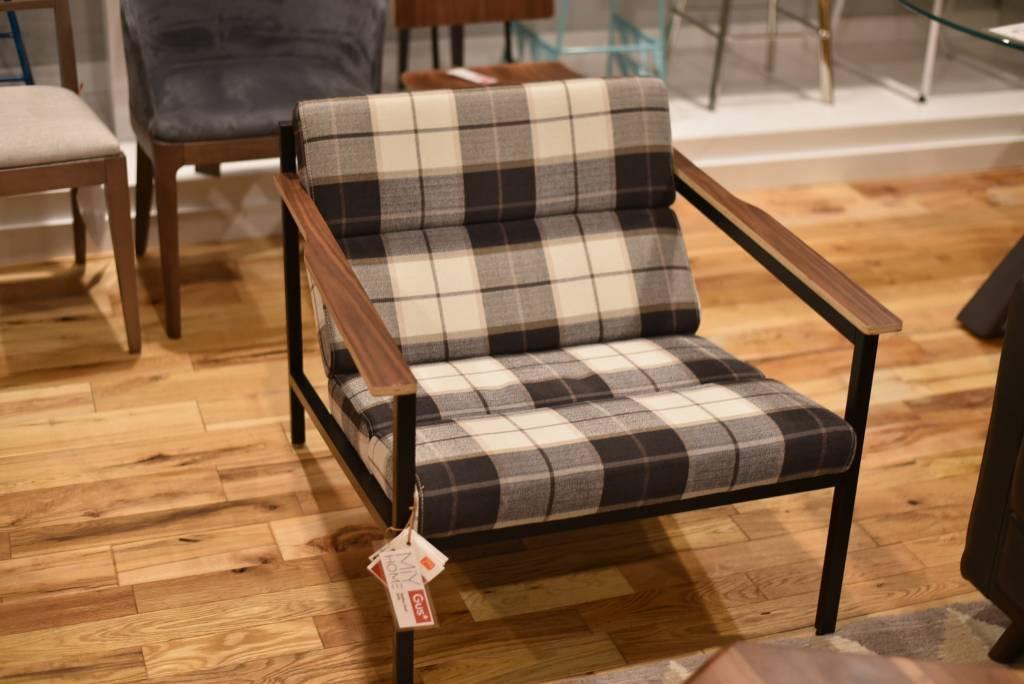 Gus Halifax Chair