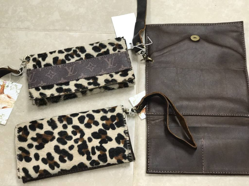 KEEP IT GYPSY-TRIFOLD WRISTLET