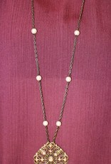 PEARL AND CRYSTAL CROSS NECKLAVE