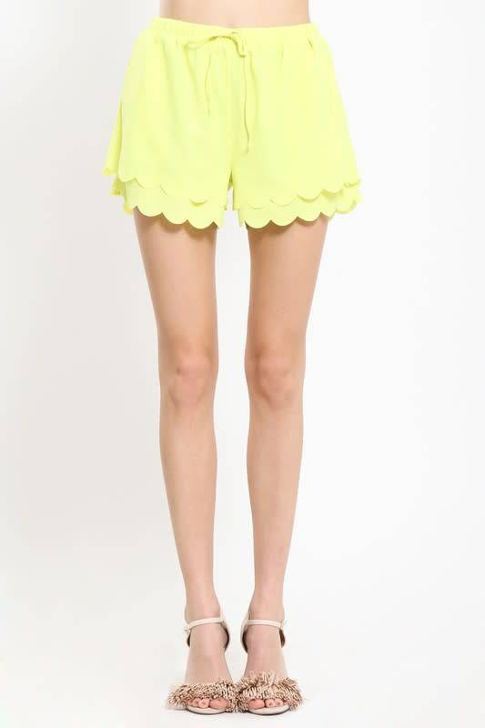 SCALLOP SHORTS WITH ELASTIC BAND