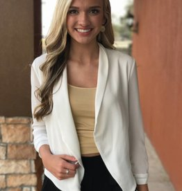 3/4TH RUCHED SLEEVE CROP BLAZER