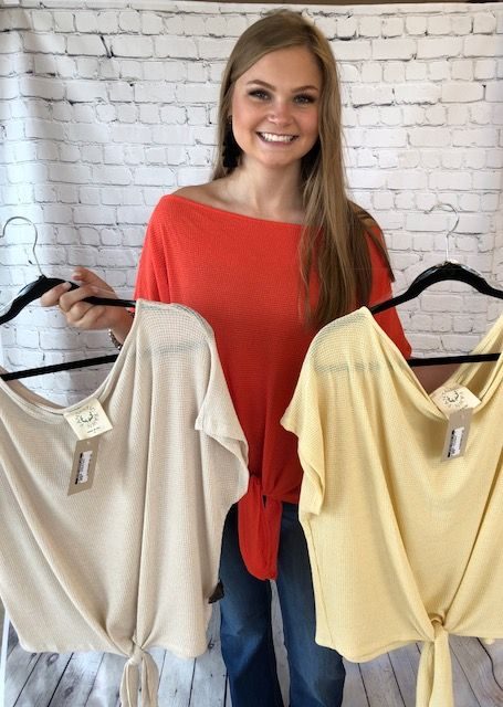 LOOSE NECK KNIT TOP