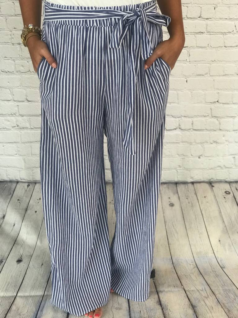 STRIPED PANTS W/ TIE FRONT