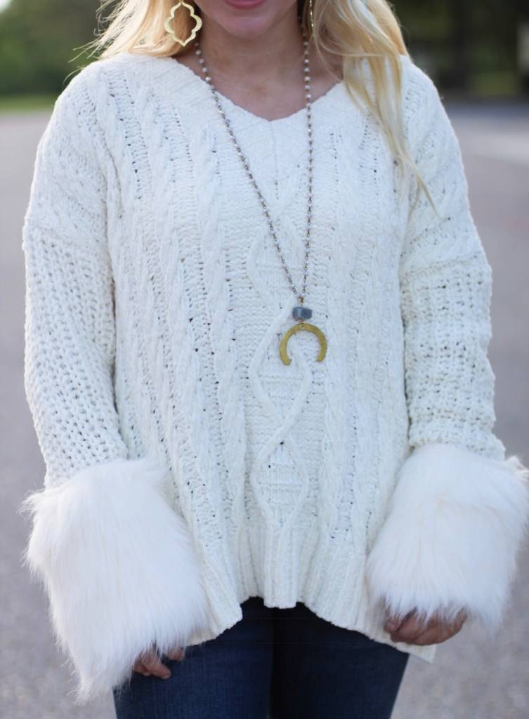 OVERSIZED SWEATER WITH CUFF DETAIL