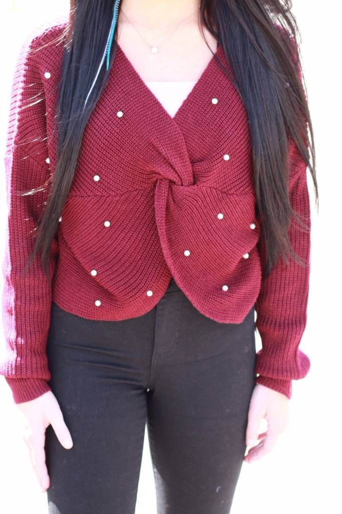 KNOT SWEATER WITH PEARL DETAIL