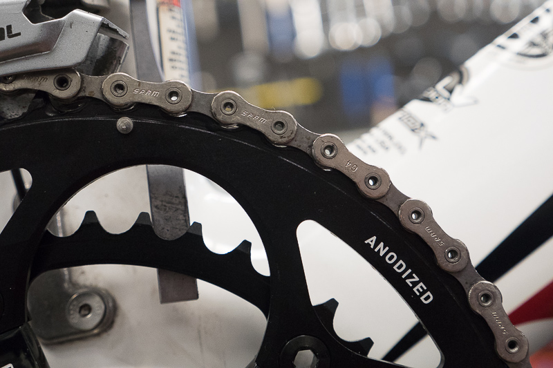 New bicycle chainring with worn out chain