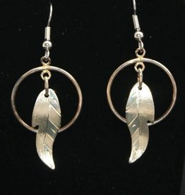 Vincent Henson Circle Feather Silver Earings