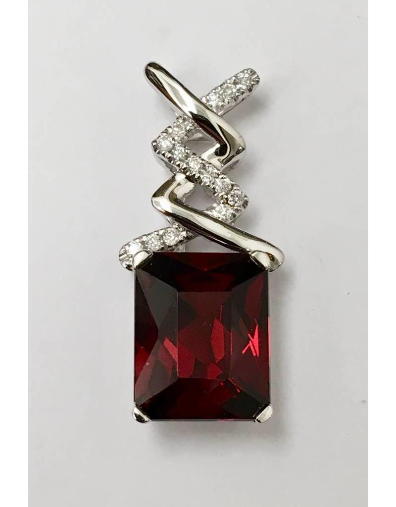 389ct garnet diamond pendant 14kw forest of jewels 389ct garnet diamond pendant 14kw aloadofball Images