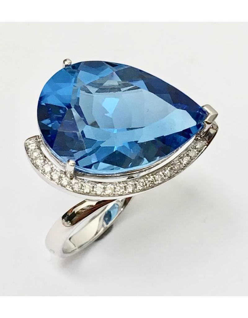 20.75ct Topaz & Diamond Ring 14KW