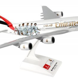Skymarks Emirates A380 1/200 With Gear