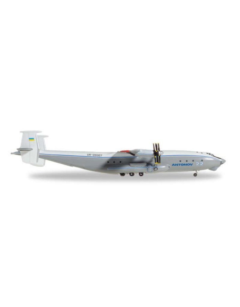 Herpa Antonov Design Bureau AN22 1/500