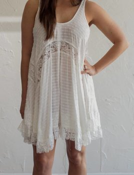 WHITE LACE AND DOT DRESS