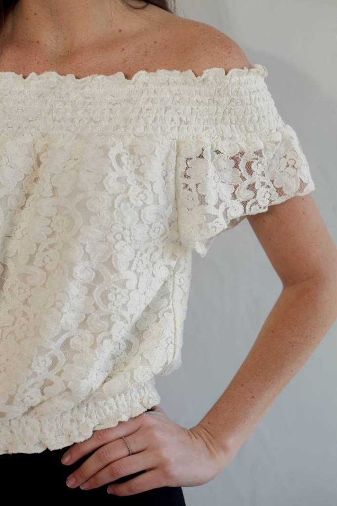 BOUCHON LACE SMOCKED CROP