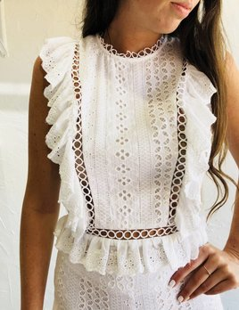EYELET LACE RUFFLE TOP
