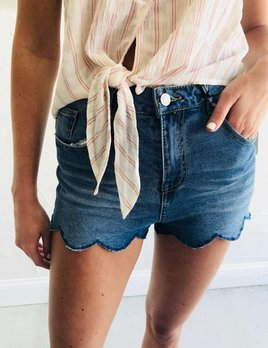 DENIM SHORT HIGH WAISTED WITH SCALLOP DETAIL