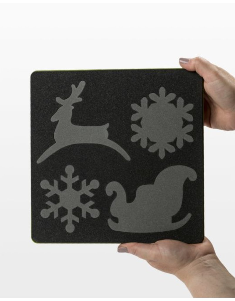 Accuquilt Go! Sleigh & Snowflakes