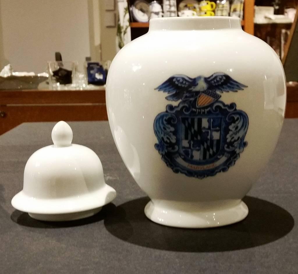 Delft Maryland Shield Tobacco Jar