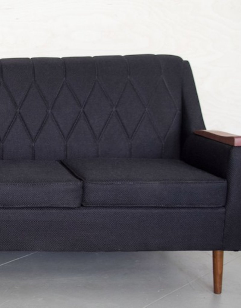 BLACK LOVASI COUCH FOR 3