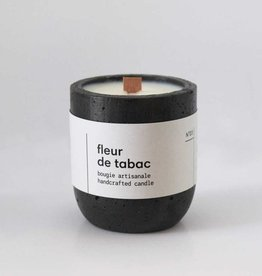 TOBACO FLOWER ESSER CANDLE