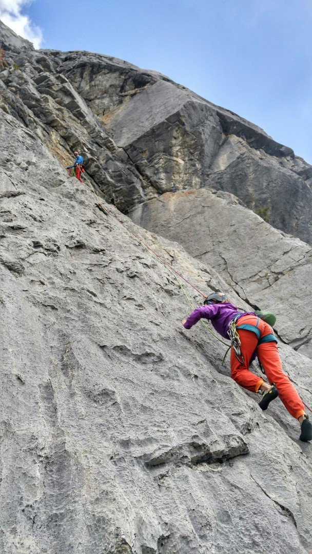 canmore climbing Three Roofs, Guides Rock