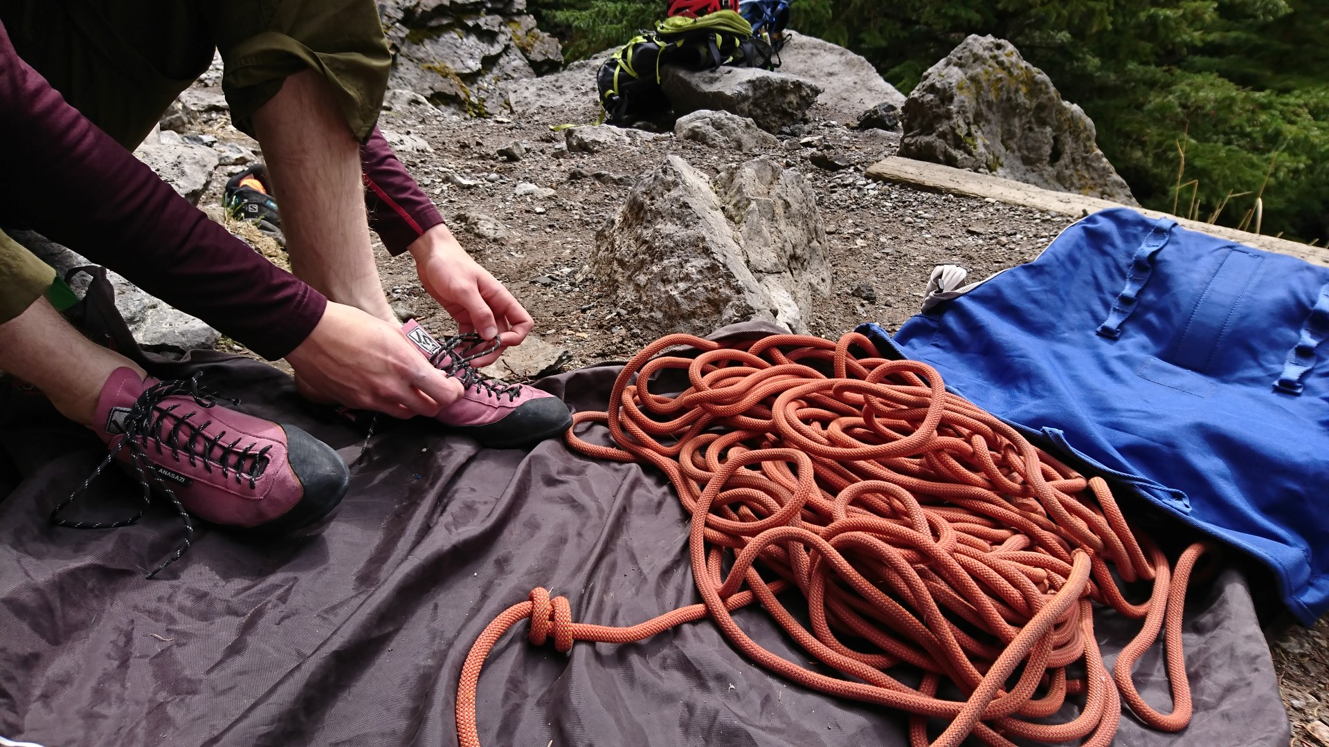 useful rope bag to keep your rope and shoes clean